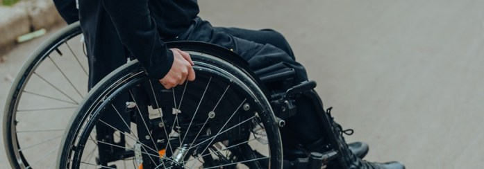 a-guide-to-claiming-for-a-spinal-injury-1134294988